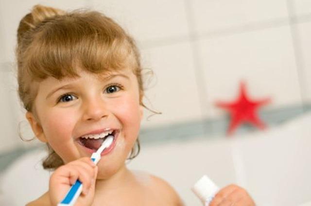Odontopedriatría: cómo cuidar la salud bucodental de los más pequeños, incluso si son bebés
